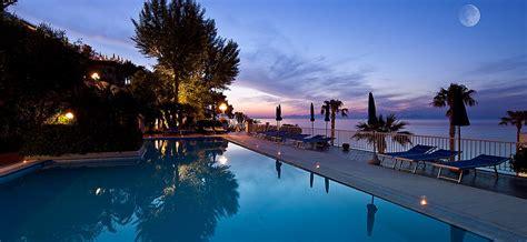 hotel ischia porto 3 stelle sul mare la posizione dell hotel 4 stelle con terme e piscine