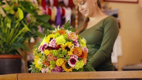 membuka usaha florist dallas sang petualang membahas banyak hal seputar hidup