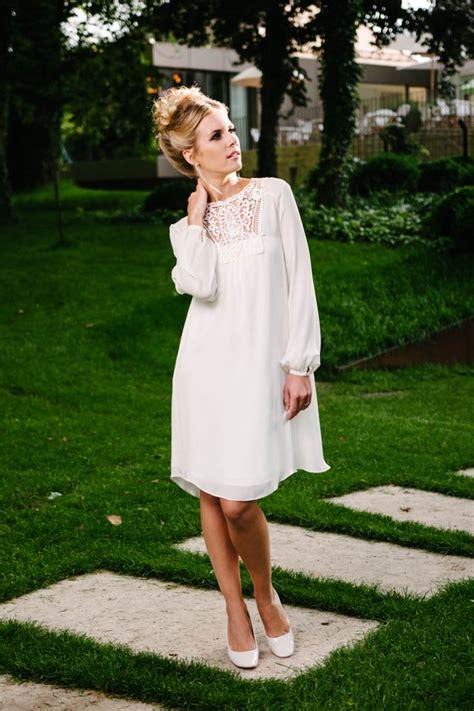 hochzeitskleid vintage kurz brautkleid kurz vintage aus seide mit h 228 kelspitzen dekollet 233