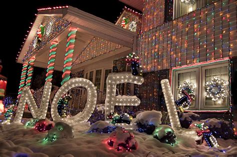 Best Decorated Homes by Top 10 Biggest Outdoor Christmas Lights House Decorations