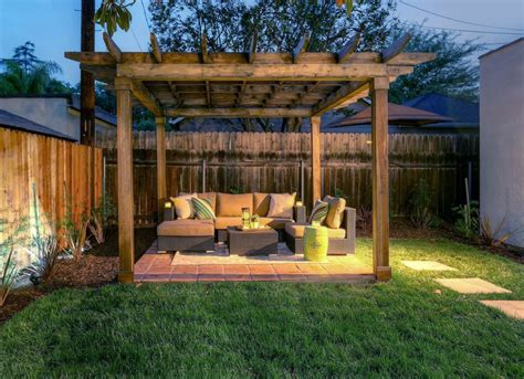 Backyard Privacy Fence Jpg 1432655112 Small Backyard Privacy Ideas