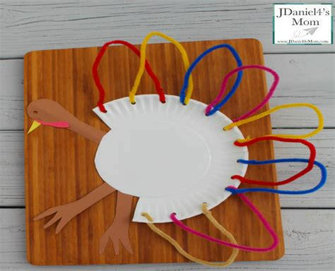 Paper Plate Pilgrim Craft - thanksgiving crafts for paper plate turkeys