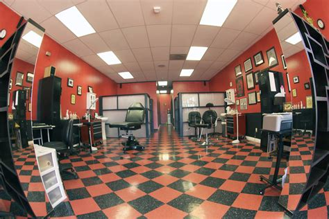 easy tattoo shop helpful tips for college students getting their first tattoo