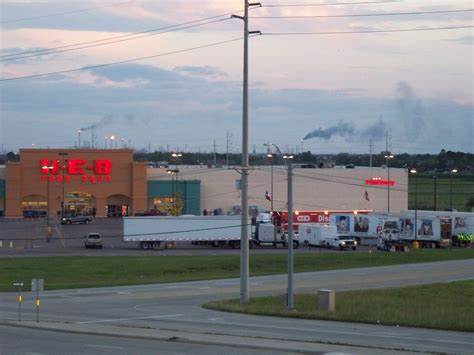 Heb Descriptions by File Hurricane Ike Heb Store Pt Arthur Refineries Flaring Jpg Wikimedia Commons