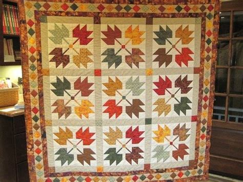 Quilt Leaf Pattern by Maple Leaves And A Quilt Built On A Legend 24 Blocks