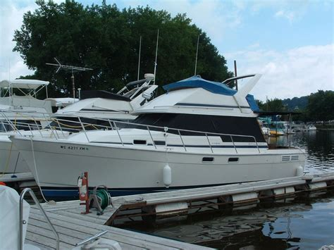 boat dealers twin cities mn 1988 bayliner 3270 motor yacht freshwater power boat for