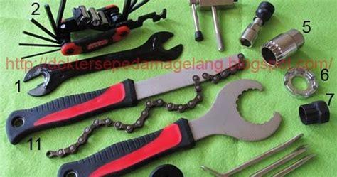 Kunci Pembuka Crank Dan Bb Hollowtech 2 Combo Set Toolkit Bb Ht2 dokter sepeda magelang paket 11 kunci hollowtech 2