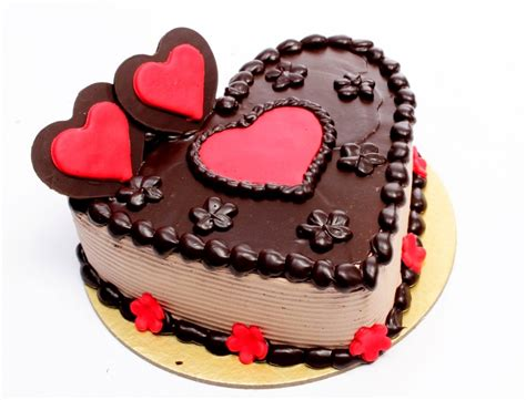 Cake Photos by Buy Best Chocolate Valentines Day Cake In Lucknow