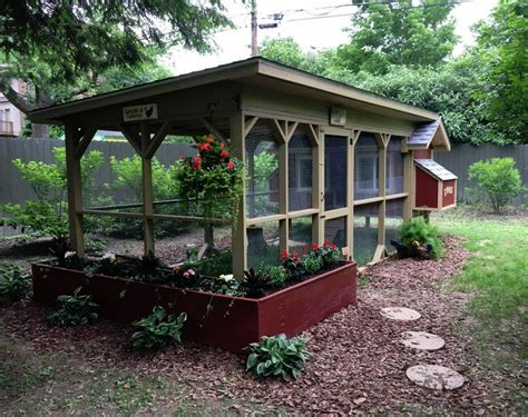 Easy Backyard Chicken Coop Plans   Coops, Farming and