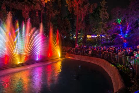 Holiday Happy Hour Vip Experiences For Guests 21 And Up Brighten Up Your With La Zoo Lights