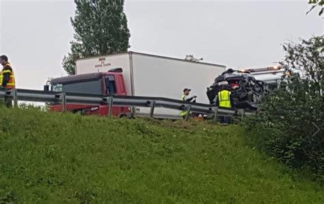 accident mortel au havre le contresens mortel au havre le chauffeur du camion aurait voulu 233 viter un barrage actu fr