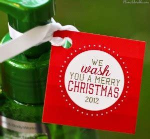 wash   merry christmas printable tags  frugal girls