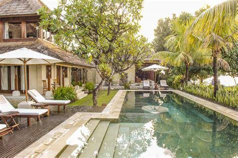 book villa cemara luxury vacation rentals  zekkei