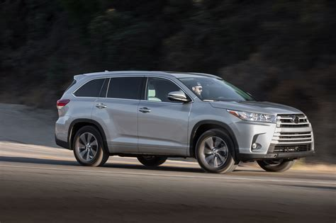 motorcars toyota 2017 toyota highlander reviews and rating motor trend