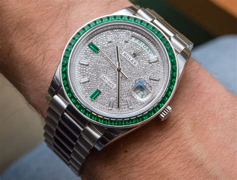 Rolex Giveaway 2017 - super rare 430 000 rolex day date 40 green emerald platinum watch hands on