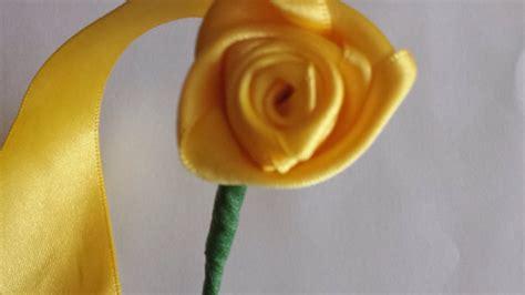 fiori di nastro fai da te crea un bouquet di fatte con un nastro fai da te