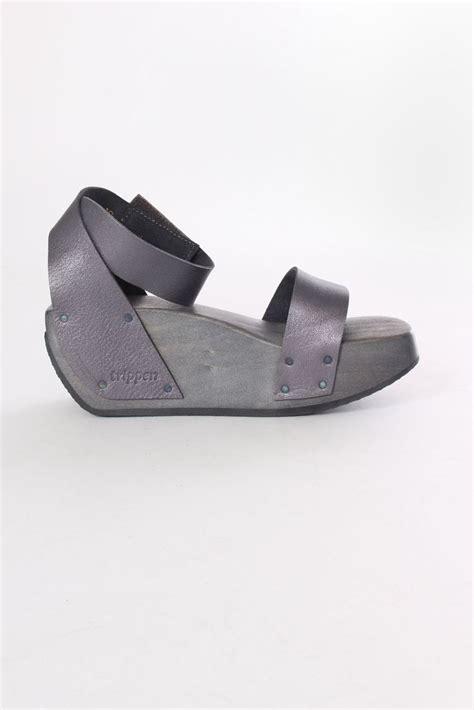 Sepatu Rene Caovilla Nik Flat trippen sandals fashion shoes shoes and fashion