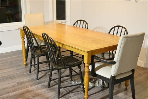 kitchen table and chairs painted with chalk paint