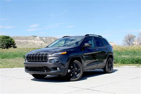 first jeep cherokee first drive 2015 jeep cherokee altitude