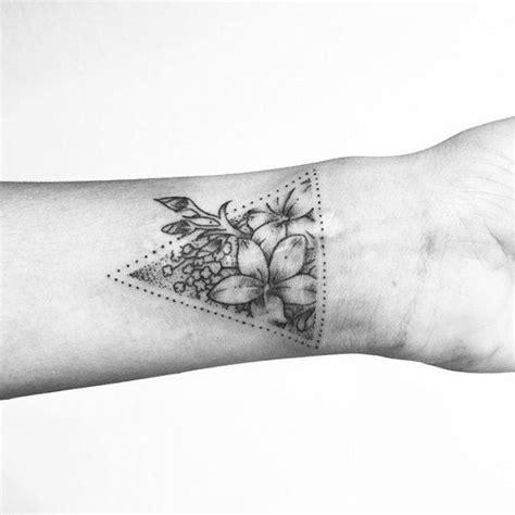 tattoo geometric uk 17 best ideas about triangle tattoos on pinterest