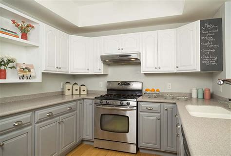 Home Depot Kitchen Cabinet Paint by Get The Look Of New Kitchen Cabinets The Easy Way
