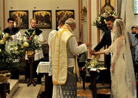 catholic priest for wedding can traditional catholics attend ex catholic s weddings