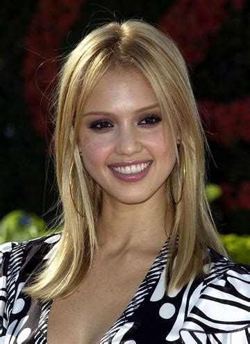 jessica alba bob hairstyles at 360 degrees jessica alba s hairstyles through the years
