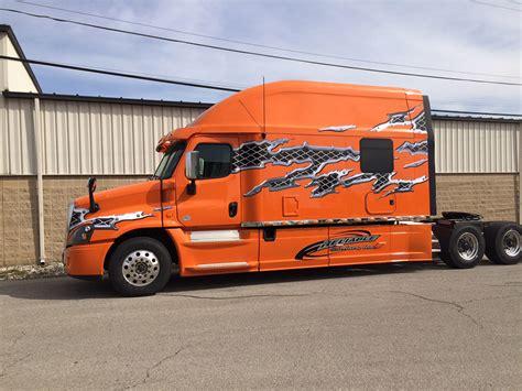 Custom Truck Sleeper Cabs by Integrated Tractor Trailer Sleeper Cab Bolt Custom Trucks