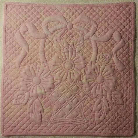 Trapunto Quilt by 161 Best Images About Quilting Trapunto On