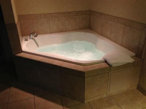 Tub Hotel Rooms Pittsburgh in room whirlpool picture of inn express hotel