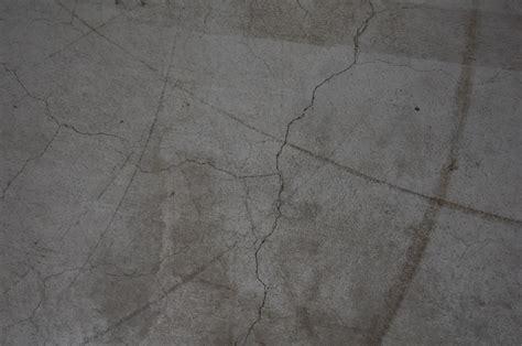 risse im beton risse im beton gallery of kritisch die auf deen die halle