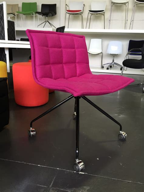 Poofy Chair by 1000 Images About Meeting Chairs Maxton Fox On
