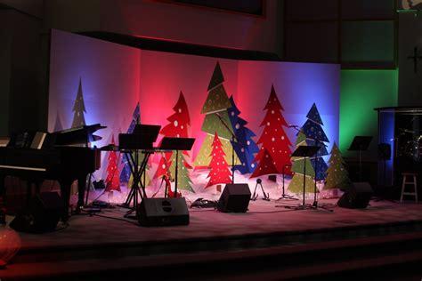 best xmas stage decoration best 25 church decorations ideas on burlap decorations burlap