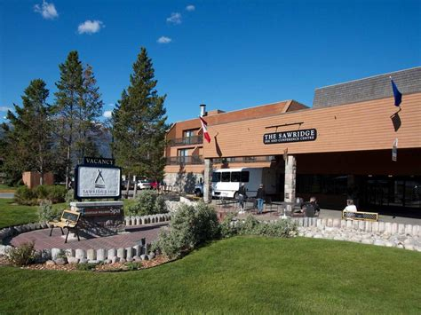jasper hotels book jasper hotels in jasper national park sawridge inn jasper canada booking com