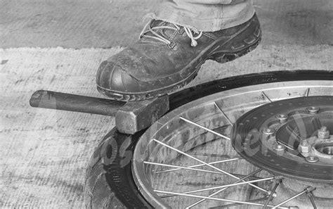 Motorrad Reifen Schlauchlos by Autoschrauber De Motorrad Reifen Wechseln