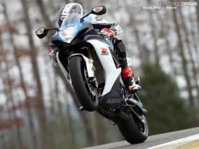 Suzuki Gsxr 1000 Wheelies 2011 Suzuki Gsx R750 Ride Photos Motorcycle Usa