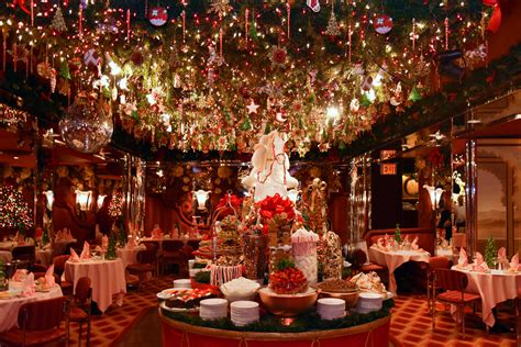 christmas decoration restaurant ideas holliday decorations 5 spots with the most over the top holiday d 233 cor in nyc