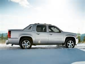 2013 chevrolet avalanche overview the news wheel
