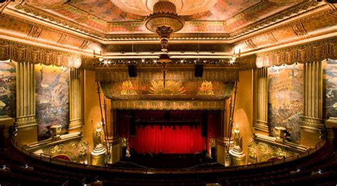 Chandelier Bob Beacon Theater Is Restored To The Glamour Of Its