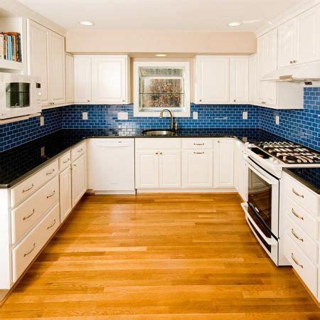 blue tile kitchen backsplash 31 best images about kitchen decor on blue tiles cabinets and colorful kitchens