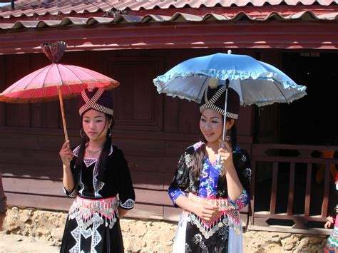 file hmong new year girls jpg