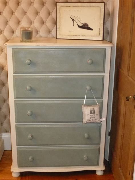 blue and white chalk painted dresser learsinteriors chest of drawers painted in annie sloan