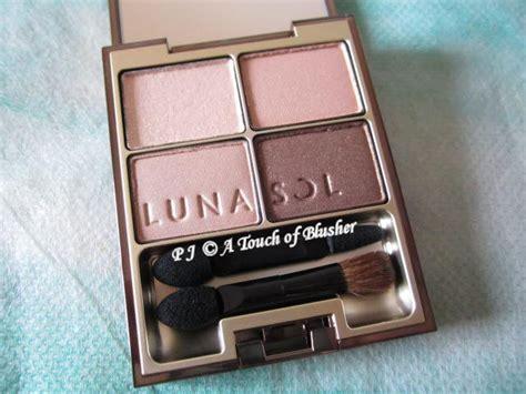 Eyeshadow Japan the ultimate eyeshadow palette in japan lunasol skin modeling in 01 beige beige