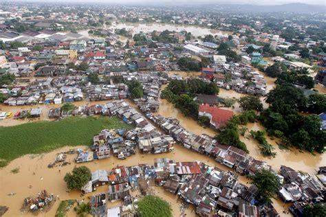 Di Jakarta banjir dan kegagalan pembangunan the institute