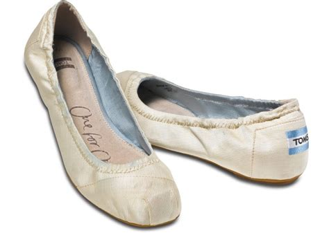 toms shoes ballet flats toms ivory ballet flats in lyst
