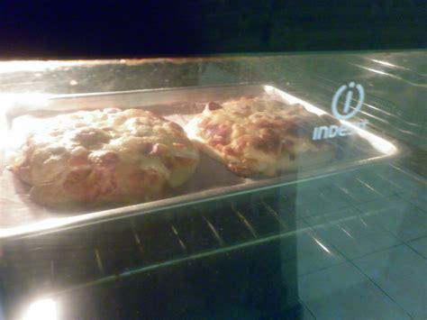 Panggangan Pizza welcome to teawe s pizza sosis tomat
