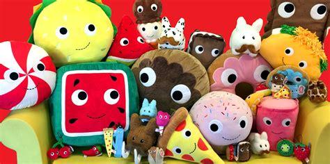 Plush Toys & Pillows   Kidrobot