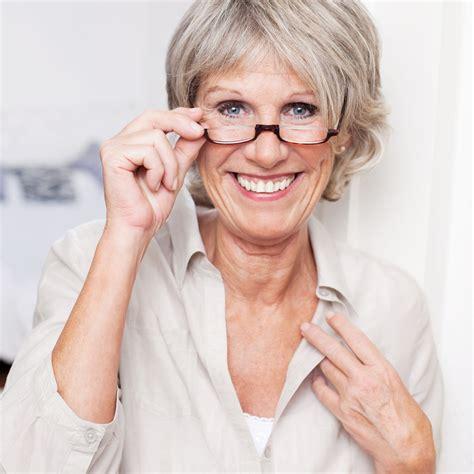 an explanation of mini dental implants