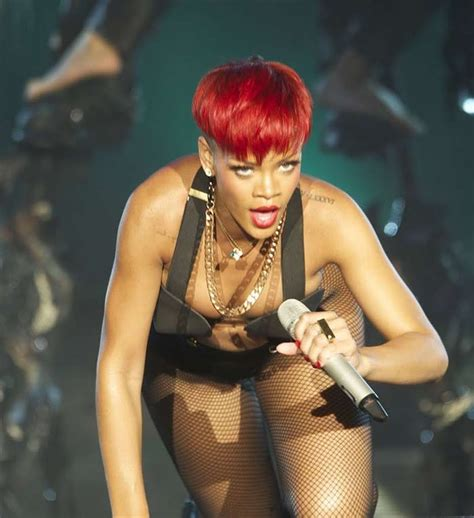 Uncensensored Wardrobe Malfunction Pictures rihanna lip slip wardrobe malfunction at rock in festival gutteruncensored