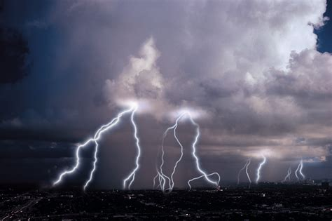 Pdf Sound Thunder Other Stories by How To Explain Thunder To A Child Sciencing